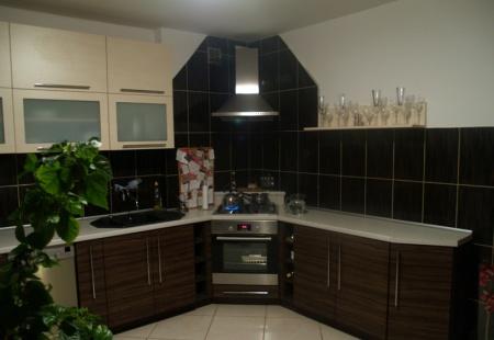 Przeczytaj opinie o KRAMIX Białystok. Produkujemy meble kuchenne, meble biurowe, meble na wymiar, meble łazienkowe, meble pokojowe - Białystok