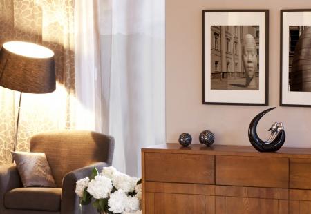 Wnętrze w stylu skandynawskim - meble drewniane Genua