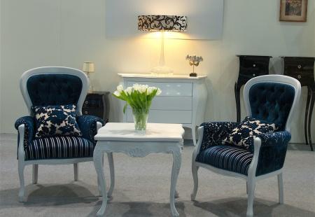 Elegancki zestaw foteli i sof ludwikowskich