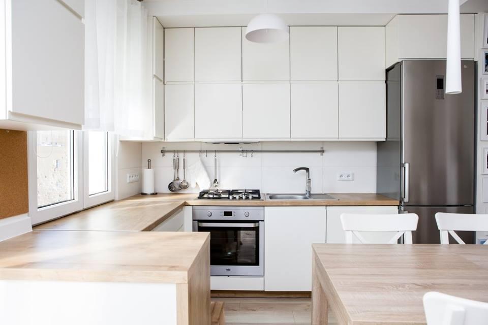 Biała Kuchnia Na Wymiar Z Elementami W Kolorze Drewna Od 3top Meble