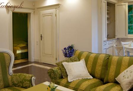 Krupówka - Top Mountain Resort & Style dysponuje sześcioma lokalami do wynajęcia. Jednym z nich jest Apartament Prowansalski.