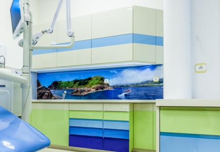 Meble specjalistyczne do gabinetu stomatologicznego od 3TOP Meble