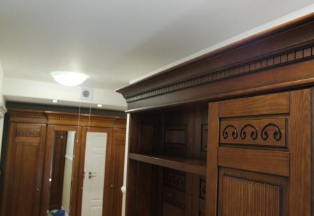 Garderoba z litego drewna od Ludwik Filip z Poznania