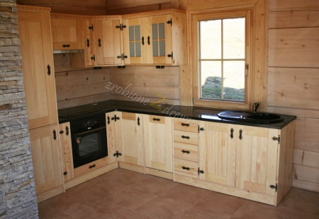 Kuchnia drewniana w stylu góralskim od Woodica