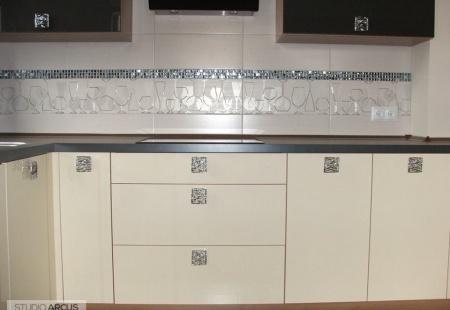 Mała akrylowa kuchnia - meble kuchenne od Arcus