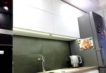 Kuchnia na dwie strony w bloku od MebleMB