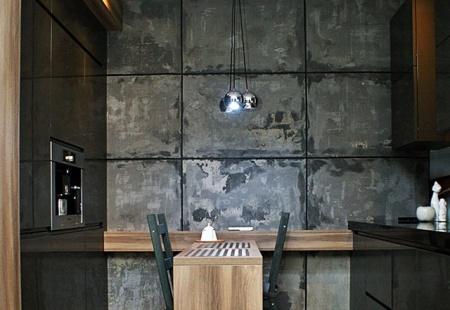 Szara kuchnia z betonem na ścianie od STYLdeco Tychy