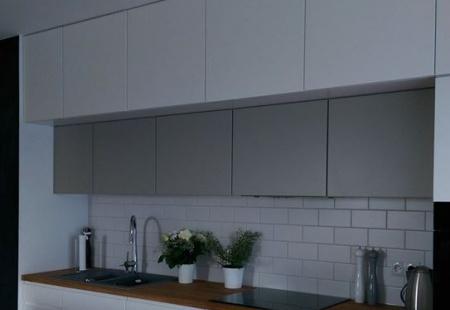 Efektowne meble kuchenne z matowymi frontami od Miroll z Zielonej Góry