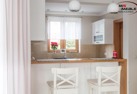 Biała kuchnia w Puńcowie wykonana przez MS-meble